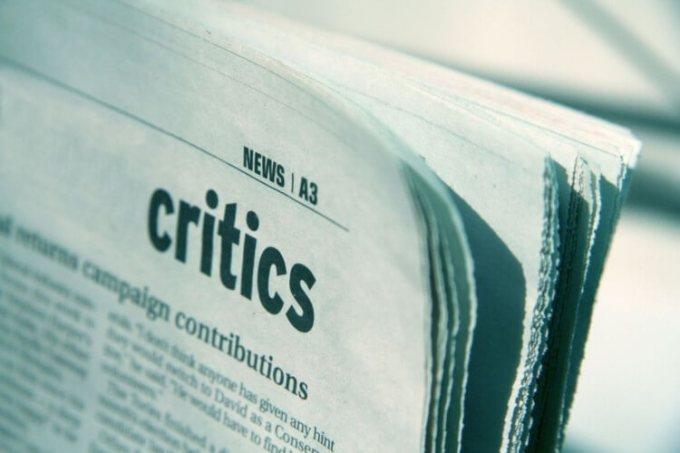 Teks Tanggapan Kritis