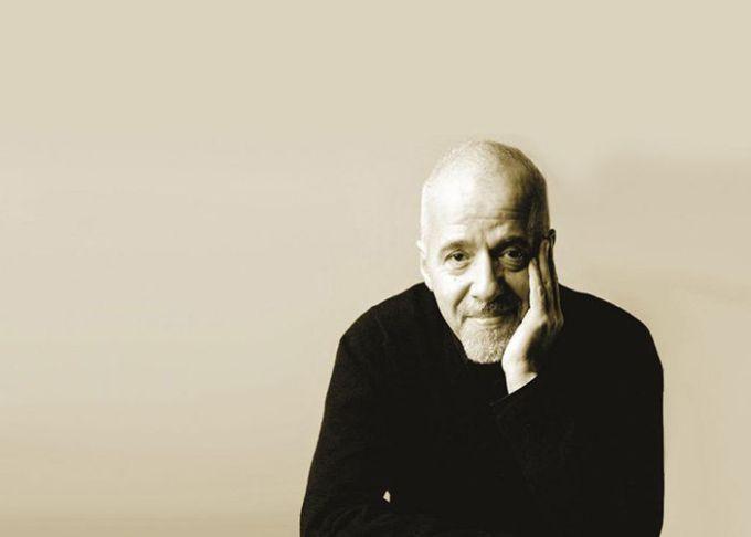 Kata kata bijak cinta dari Paulo Coelho
