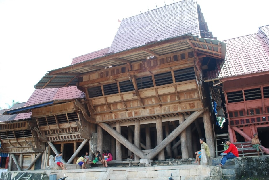 3 Jenis Rumah Adat Sumatera Utara Spesial Pulau Nias