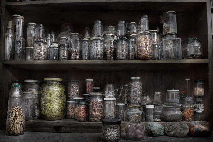 Andrews_studio_jars_01