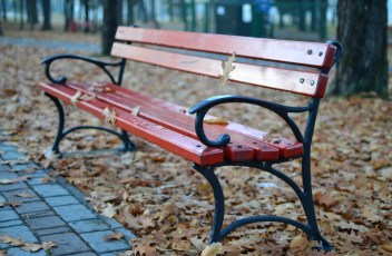 bench-1038961_1920