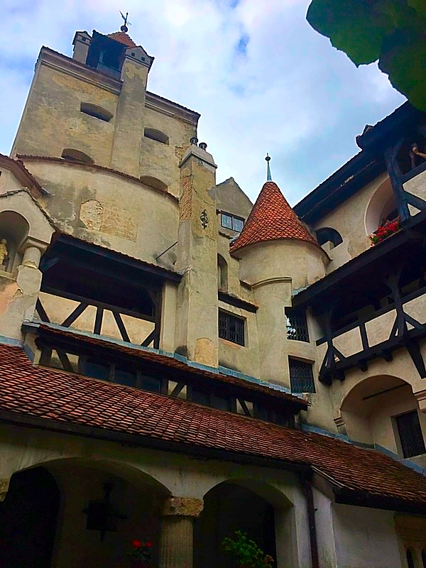 bran-castle-in-romania-10