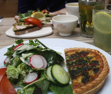 New obsession: the restaurant Le Pain Quotidien. I wonder where the closest one to Troyes is?