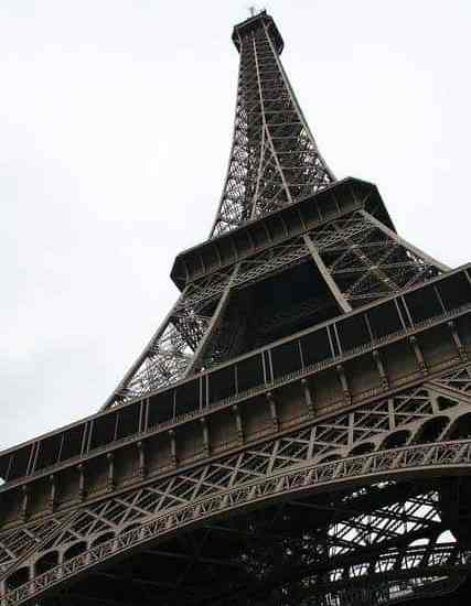 Seeing the Eiffel Tower, Paris, FR (2011-10)