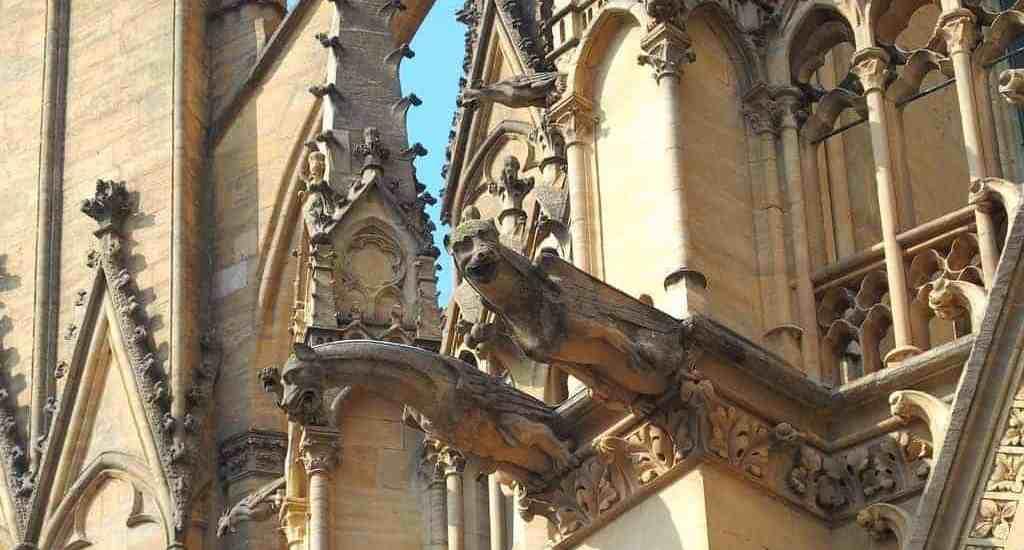 Gargoyle on Metz cathedral, France (2014-07)