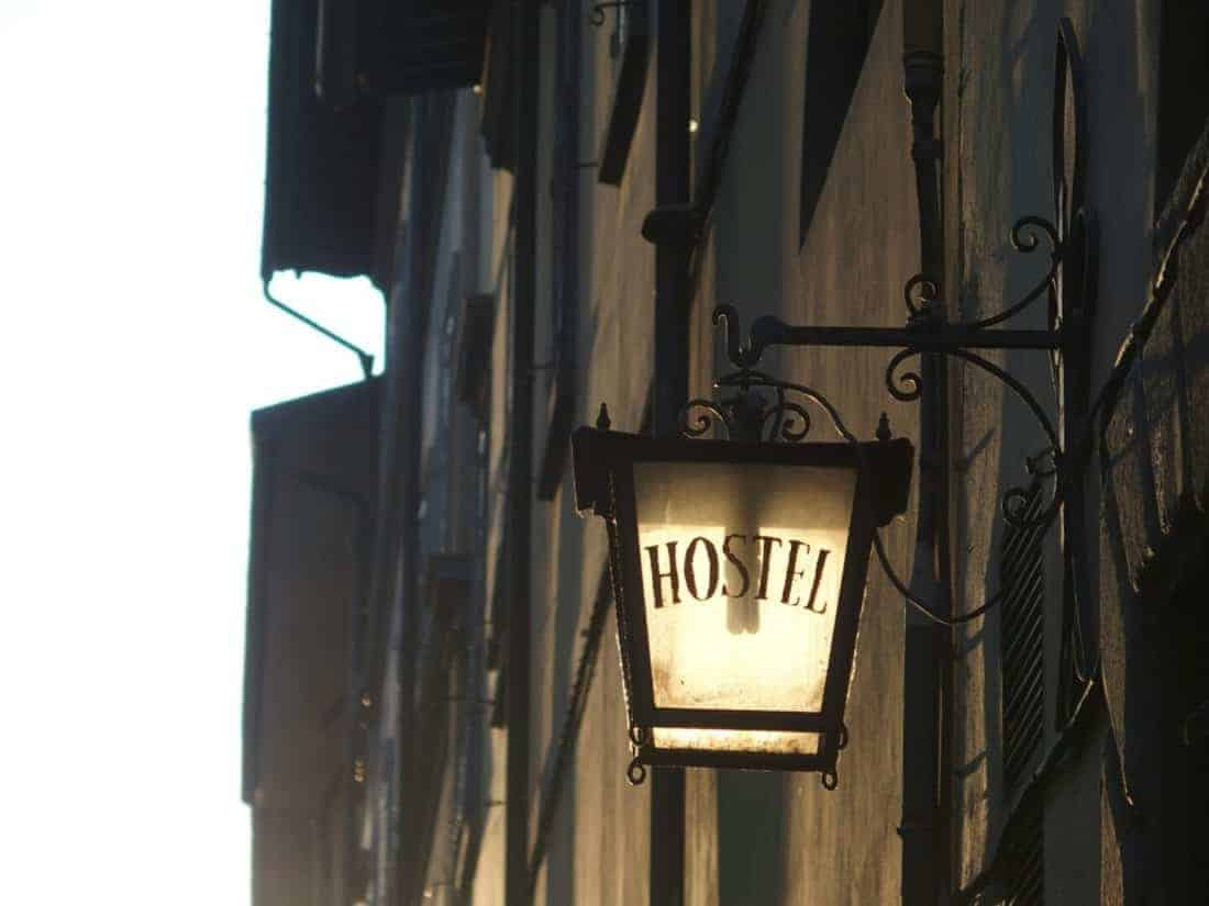 Lamp outside hostel Santa Monaca in Florence, Italy (2015-07)