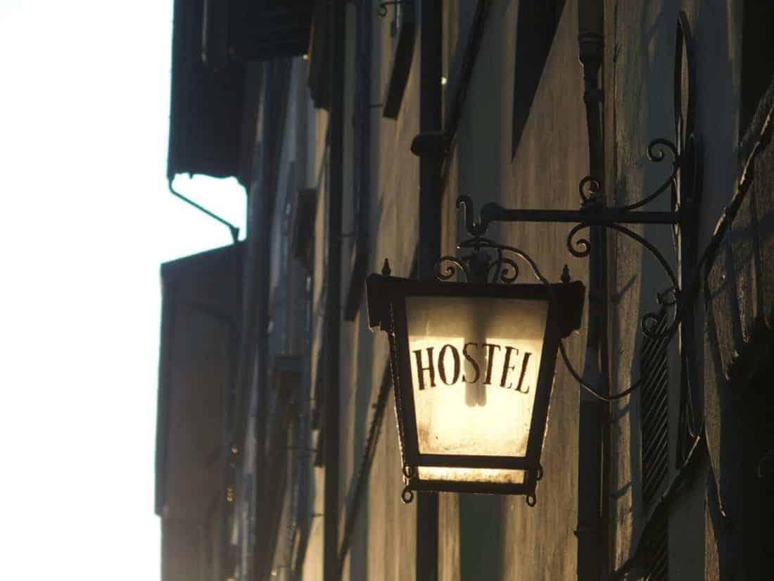 Lamp outside hostel Santa Monaca in Florence, Italy (2015-07)