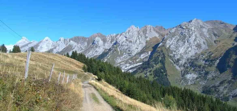 Hiking path near La Clusaz in the Alps, FR (2015-09)