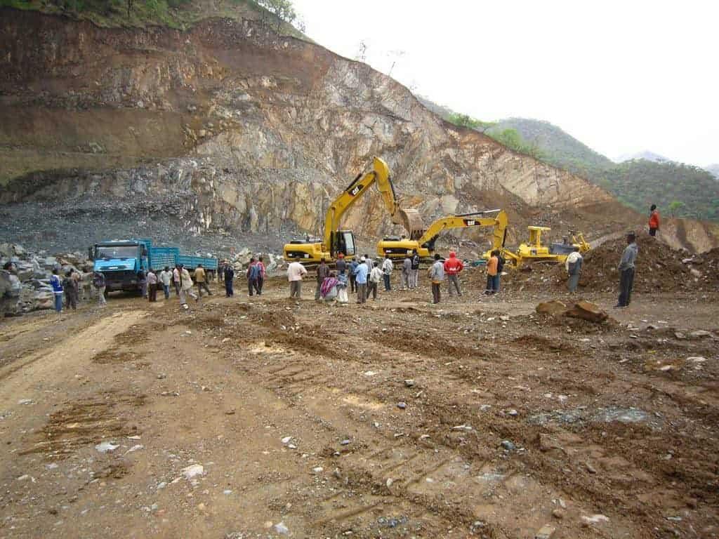Road works, Ethiopia (2012-06)