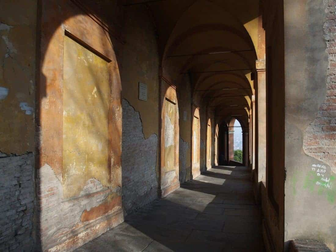 Light in Via di San Luca arches portici, Bologna, IT (2015-01-07)