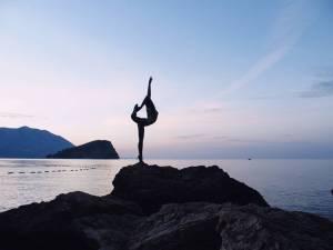 Balleria sculpture on Budva's Mogren beach, Montenegro (2016-10-03)