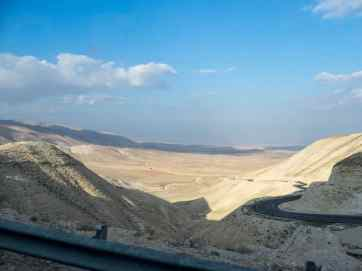 Driving to Jericho through the hills of Palestine (2017-01-15)