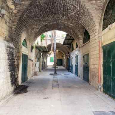 Empty shops in the old city, Nazareth, Israel (2017-02-03)
