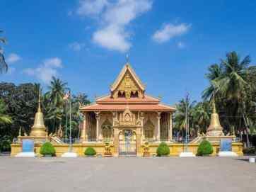 Piphetthearam Pagoda, Battambang, Cambodia (2017-04-23)