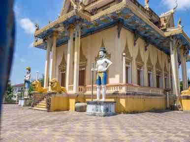 Guards outside Battambang temple, Cambodia (2017-04-23)