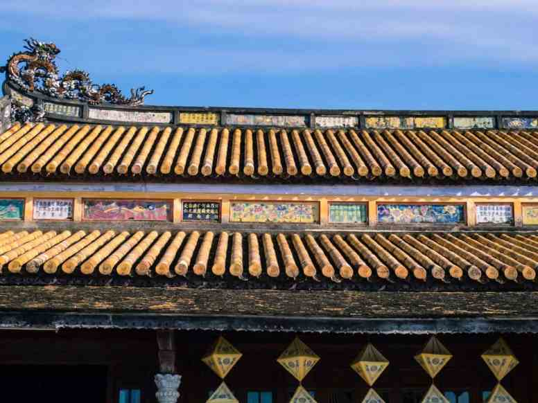 Porcellain decoration, Hue Citadel, Vietnam (2017-06)