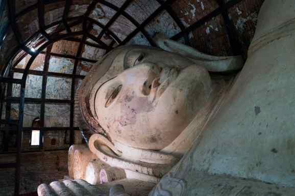 Reclining Buddha in Shinbinthalyaung, Bagan, Myanmar (2017-09)