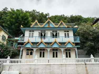 Inle Lake bike tour: Maing Thauk Forest Monastery, Myanmar (2017-10)