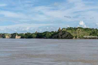 Arrival in Bagan, Irrawaddy River Cruise Mandalay to Bagan, Myanmar (2017-09)