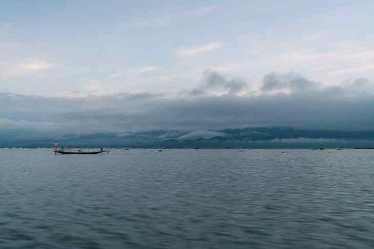 Inle Lake boat tour: Before sunrise, Myanmar (2017-10)