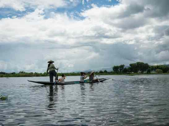 Inle Lake boat tour: Canoe ride, Myanmar (2017-10)