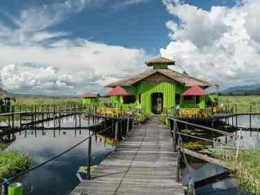 Inle Lake boat tour: Maing Thauk bridge bar/restaurant, Myanmar (2017-10)