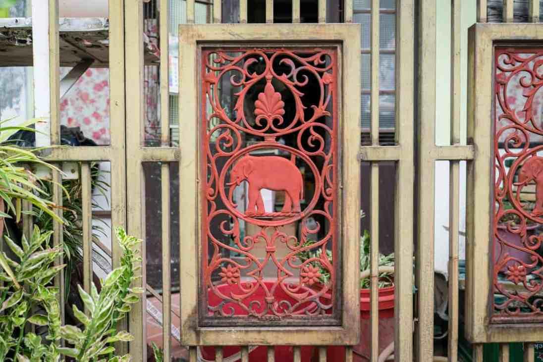 Penang art: Wrought iron elephant gate, George Town, Malaysia - 20171222-DSC03173