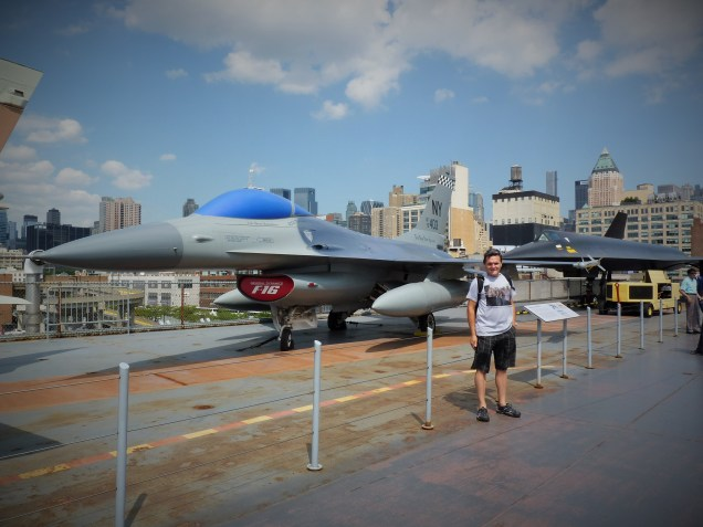 Intrepid Air, Space and Sea museum, on the run in New York city
