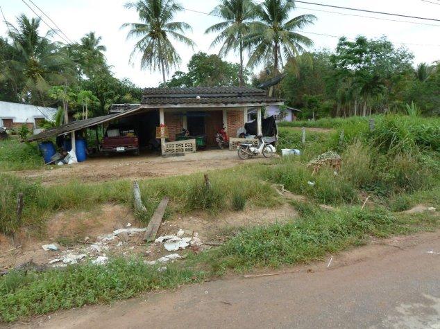 Local housing in Si Kao