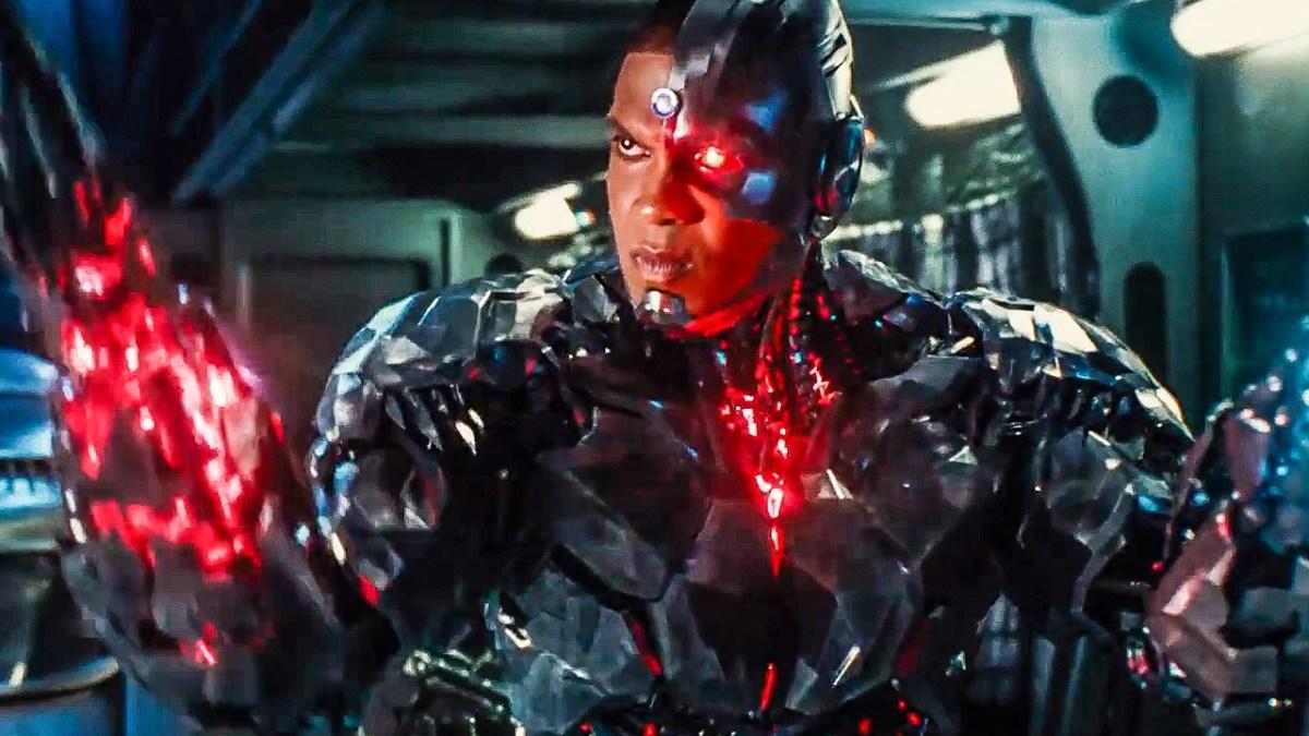 Justice League: Cyborg Featurette - AT&T
