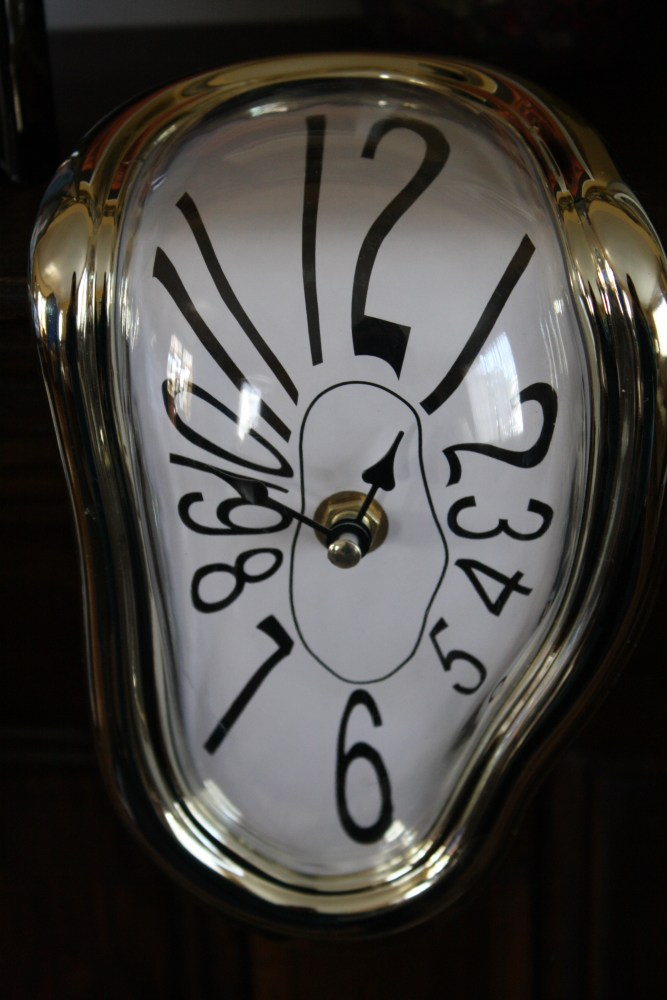 Melting Clock Clock! (2/4)