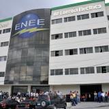 Empresarios urgen pago al Gobierno y a las alcaldías a la ENEE