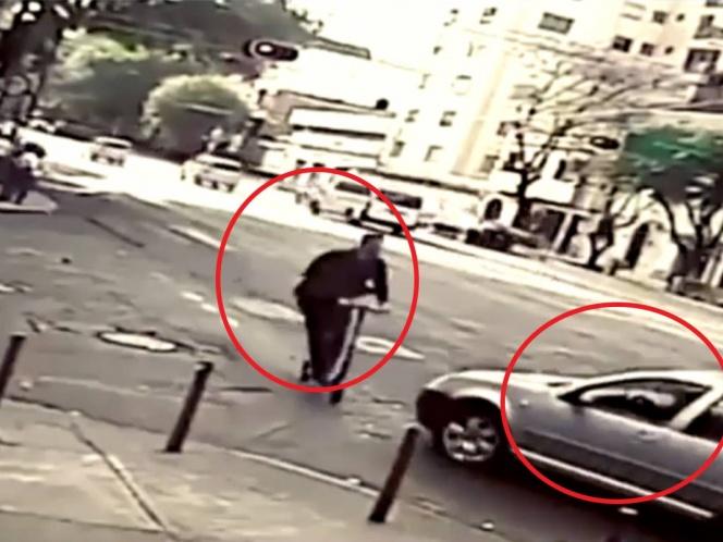 Graban vehículo que atropella a usuario de scooter en la Roma