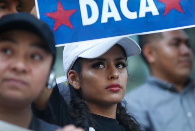 GoFundMe y FWD.us anuncian nueva sociedad para ayudar a los Soñadores a pagar solicitudes de renovación del DACA