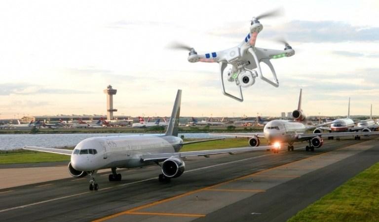 Dos avistamientos de un dron paralizan el aeropuerto de Heathrow en Londres