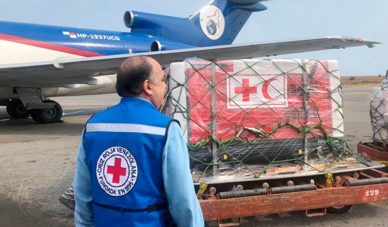 Ministro de Salud dice que Cruz Roja podría traer ayuda cada dos o tres semanas