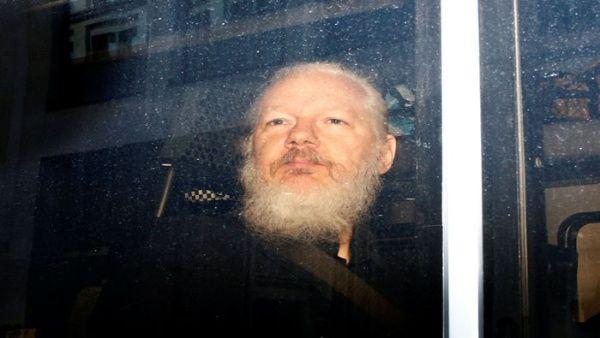 Venezuela rechaza retiro de asilo y arresto de Julian Assange