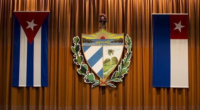 Cuba proclama nueva Constitución con modestos cambios