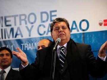 Expresidente peruano Alan García se suicida para evadir justicia