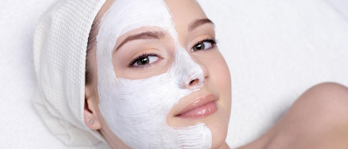 Mascarilla de leche y harina para rejuvenecer y aclarar la piel
