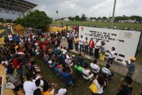 25tartanMensaje oficial en la inauguracion de la apista de tartan Ana Guevara