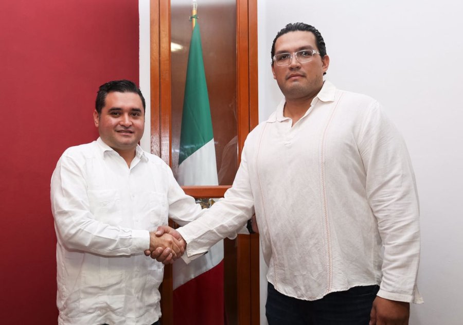 Mauricio Rodríguez Marrufo da posesión a Salim Pacheco Mendoza como nuevo director de 'El Torito'.