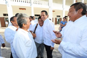 Carlos-Joaquín-aniversario-de-la-constitución-política-de-Quintana-Roo-12