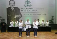 Carlos-Joaquin-Honoris-Causa4