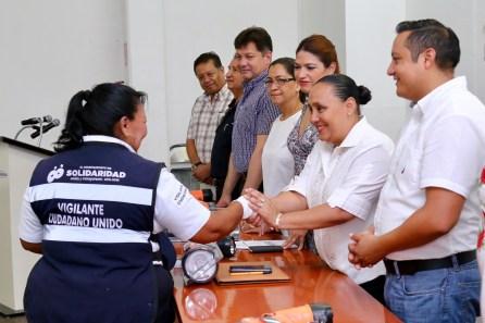 ENTREGA DE EQUIPO A VIGILANTES CIUDADANOS (1) (1)