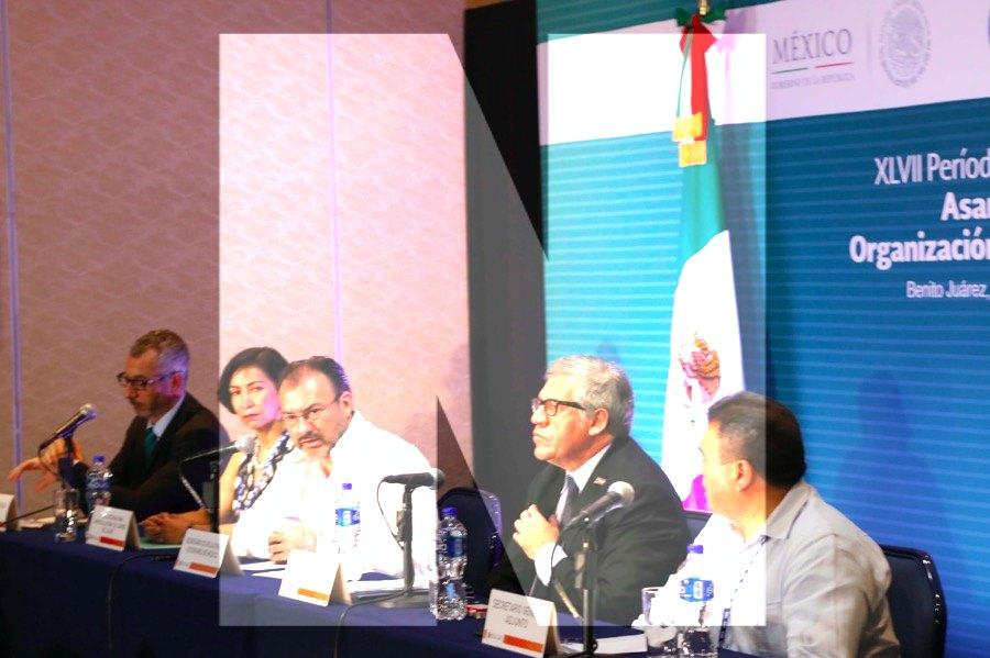 Las dictaduras no caen por presión internacional — Luis Almagro