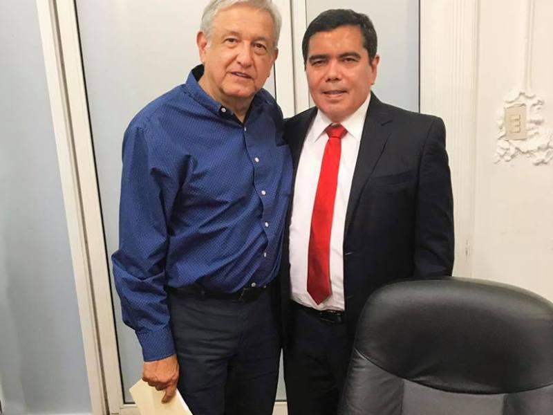 LOS NUEVOS 'CUADROS' DE MORENA: Presume el ex priista Eduardo Ovando foto con López Obrador
