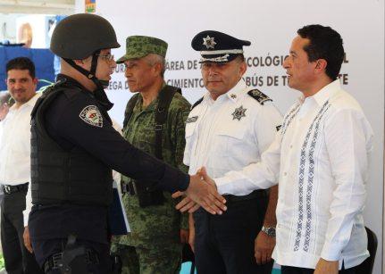 Carlos-Joaquin-Policias6