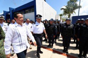 Carlos-Joaquin-Policias8