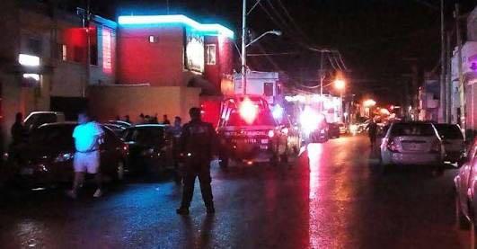 Sicarios sacan a parroquiano y lo tirotean en la Región 92 de Cancún